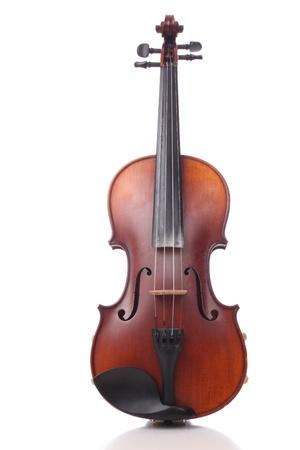 violoncello: Primo piano di un violino su sfondo bianco Archivio Fotografico