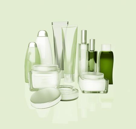cremas faciales: crema para la cara, crema para los ojos, el suero y bálsamo labial. cuidado de la piel, aislado. Foto de archivo
