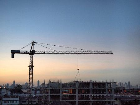 industrial landscape: Paesaggio industriale con gru