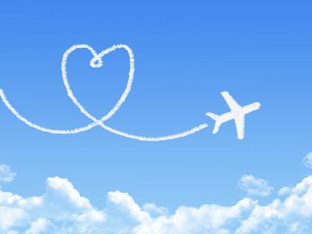 Cloud shaped as love Standard-Bild