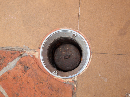 drain water: drain water on the floor