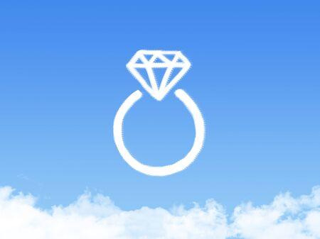 engagement ring: Diamond engagement ring cloud shape