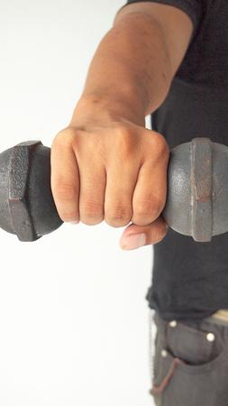 levantando pesas: hombre de levantamiento de pesas Foto de archivo