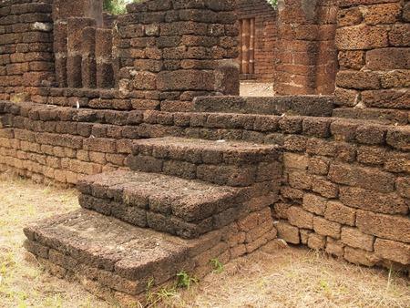 라 테이트로 만든 오래된 계단