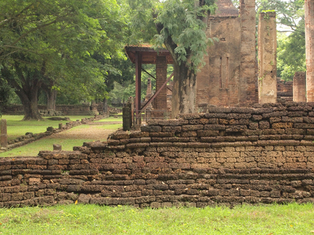 archaeological sites: Ruins of ancient temples at Sukhothai Historical Park, Thailand