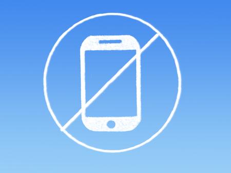 No mobile phone cloud shape on blue sky Banque d'images