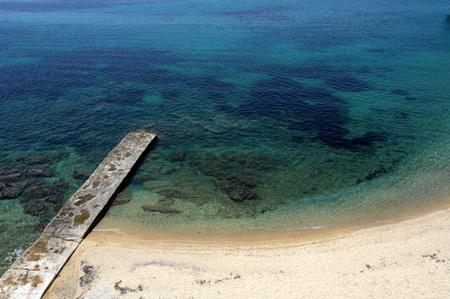 Playa en la antigua ciudad de Uranopolis cerca de Monte Athos, Halkidiki, Grecia Foto de archivo - 9172618