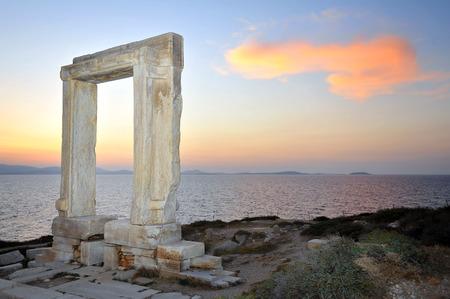 kyklades: Portara of Naxos, famous landmark of Cyclades, Greece Stock Photo