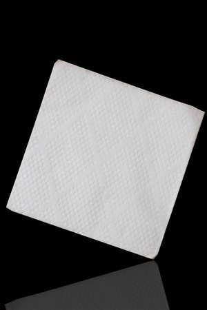 objetos cuadrados: servilleta aislado sobre fondo negro