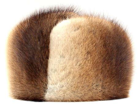 visone: cappello di visone isolato su bianco