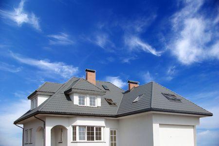 house gables: Nueva casa de ensue�o en el cielo