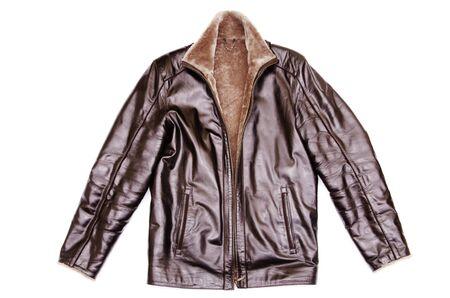 chaqueta de cuero: chaqueta de cuero negro aislado sobre fondo blanco
