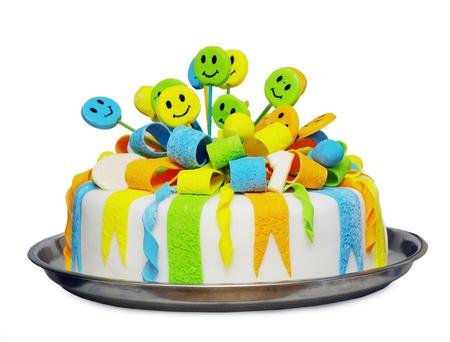 tortas de cumplea�os: Torta de cumplea�os con velas en un plato Foto de archivo