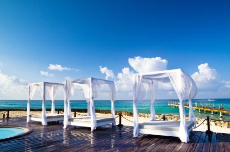 bahamas: Paviljoen en het zwembad in luxe resort