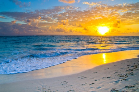 Beautiful sunset above the sea Stock Photo - 18639045