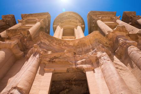 antik: Ancient temple in Petra, Jordan Stock Photo