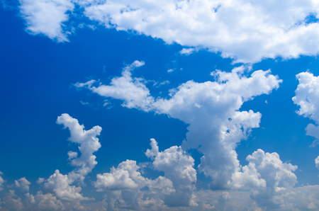 dispel: sky background with a tiny clouds