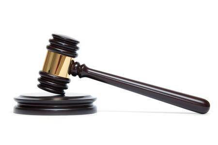 martillo juez: Un juez martillo de madera y caja de resonancia aislada en el fondo blanco