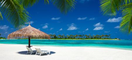 tropical beach in Maldives Standard-Bild