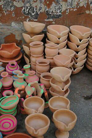 eldlery: KARACHIPAKISTAN_  Pakisani eldlery male selling mug made clay 31 Oct 2012