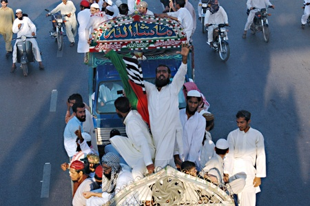 martyrdom: KARACHIPAKISTAN_ Pakistani during religious rally to commerorate the martyrdom om Omer farook tdaoy today on 16 Nov. 2012          (Photo by  Ilyas J. Dean  Pak Images) Editorial