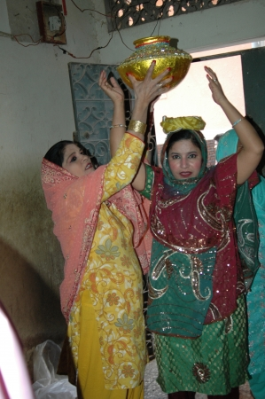 indo: KARACHIPAKISTAN_ Pakistani christians wedding ritual just like other asian Indo -Pakistani weddin ceremonies females perfrom all those tradiations rituals and music band plays 13 Dec. 2012          Editorial
