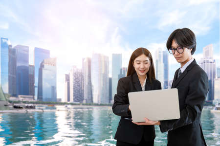 Consultation of Business man and business woman consider business plan 版權商用圖片