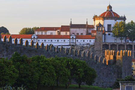 dom: medieval castle and orange trees,Portugal, imperial style, Western Europe, Porto, ancient architecture Banque d'images