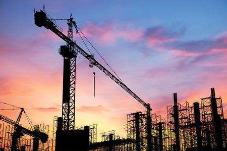 Baustelle auf Sonnenuntergang Hintergrund