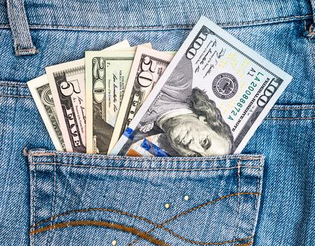 pochette: american dollars in jean pocket