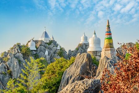 Wat Prajomklao Rachanusorn prachtige Thaise tempel, Verbazend tempel op de top van de berg in Lampang, ten noorden van Thailand.