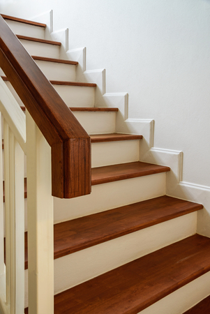 wooden stairs - Escaleras Madera