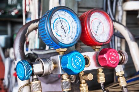 Refrigerator pressure gauges, manometers,quipment Measure of Air Conditioner Stockfoto