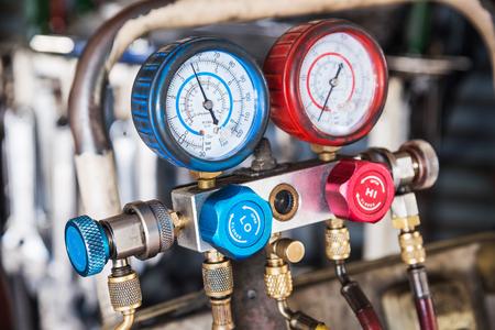 Refrigerator pressure gauges, manometers,quipment Measure of Air Conditioner Archivio Fotografico