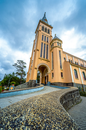 Chicken church, Da Lat Cathedral, Cathedral of the chicken in Da Lat city, Lam Dong province, Vietnam. 免版税图像