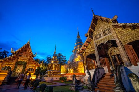 Famous Temple in Blue sky twilight time. Beautiful traditional architecture at Temple of Chiangmai Thailand, Asia. Banco de Imagens - 129737394