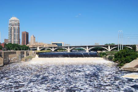 St. Anthony Falls in downtown Minneapolis Stockfoto