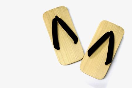 木製のサンダル