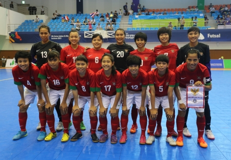 Incheon - July 5 Indonesia national futsal team players before bronze medal match against Thailand in an 4th Asian Indoor and Martial Arts Games at Songdo Global University on July 5, 2013 in Incheon, Korea  Stock Photo - 20877607