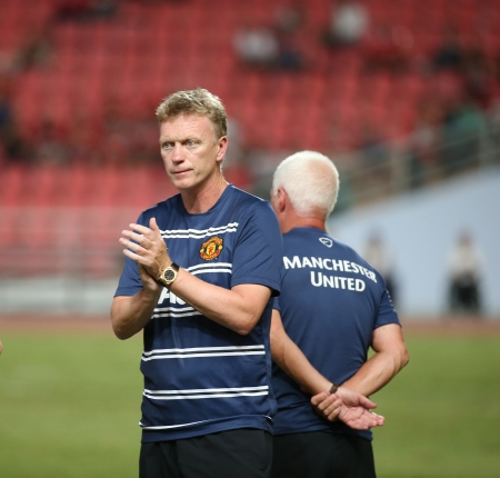 Bangkok - July 13 David Moyes head coach of Man Utd  in action during Singha   80th Anniversary Cup Manchester United vs Singha All Star at Rajamangala Stadium on July 13,2013 in   Bangkok, Thailand 報道画像