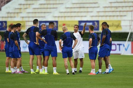 martinez: BANGKOK, THAILAND - JULY 26 Roberto Martinez manager of Everton in action during an evening session at Supachalasai Stadium on July 26, 2014 in Bangkok, Thailand