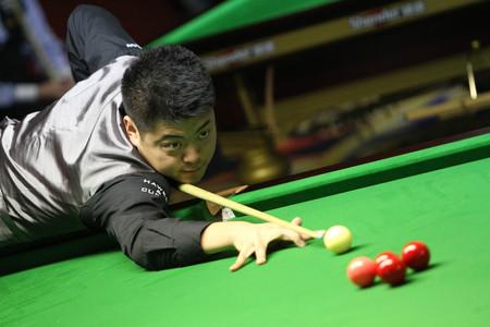 Bangkok, Thailand - SEP 1:Liang Wenbo of China participates in a Sangsom Six-red World Championship 2014 at Montien Riverside Hotel on September 1, 2014 in Bangkok, Thailand.