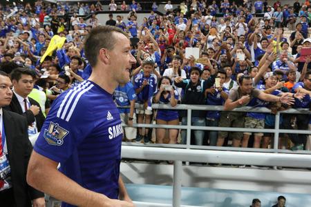 タイのバンコクで 2015 年 5 月 30 日にシンハー チェルシー FC お祝いラジャマンガラ スタジアムでの試合中にアクションでバンコク 5 月 30:John チェル 報道画像