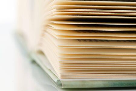prosa: Close-up colpo di pagine di un libro  Archivio Fotografico