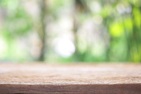 trompo de madera: Al aire libre vista de tabla de madera Foto de archivo