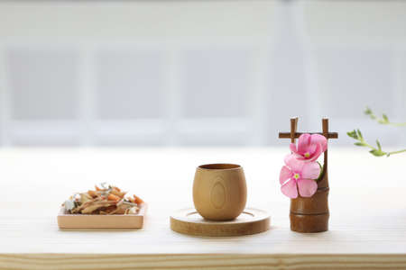 Lemongrass and Pandanus leaf herb with wooden cup