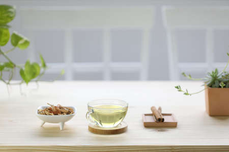 Lemongrass juice and Pandanus leaf herb