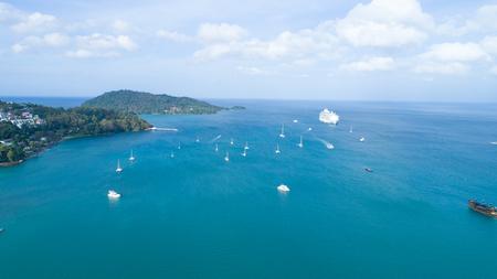 Aerial shot long tails boats parking near the beach Reklamní fotografie