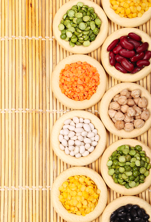 leguminous: Cuisine choice. Cooking ingredients. Grasses of lentils, peas, and haricots