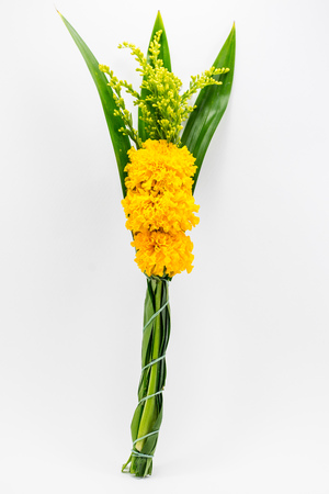 marigolds: Thai marigolds arrangements for worship